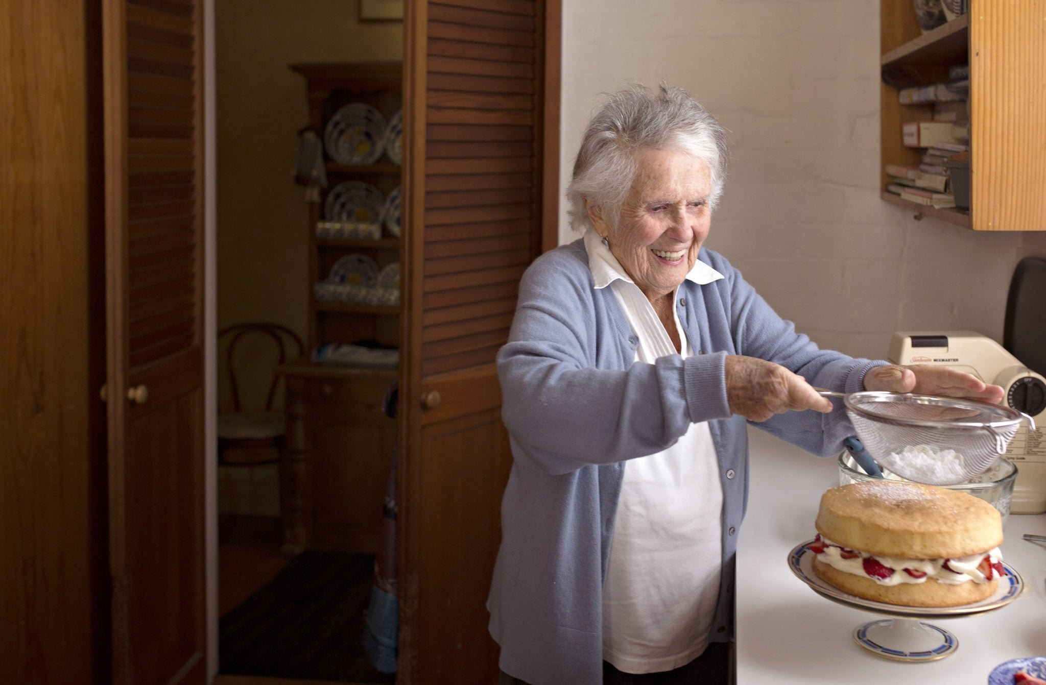 Margaret Fulton S Classic Sponge Cake Recipe From The