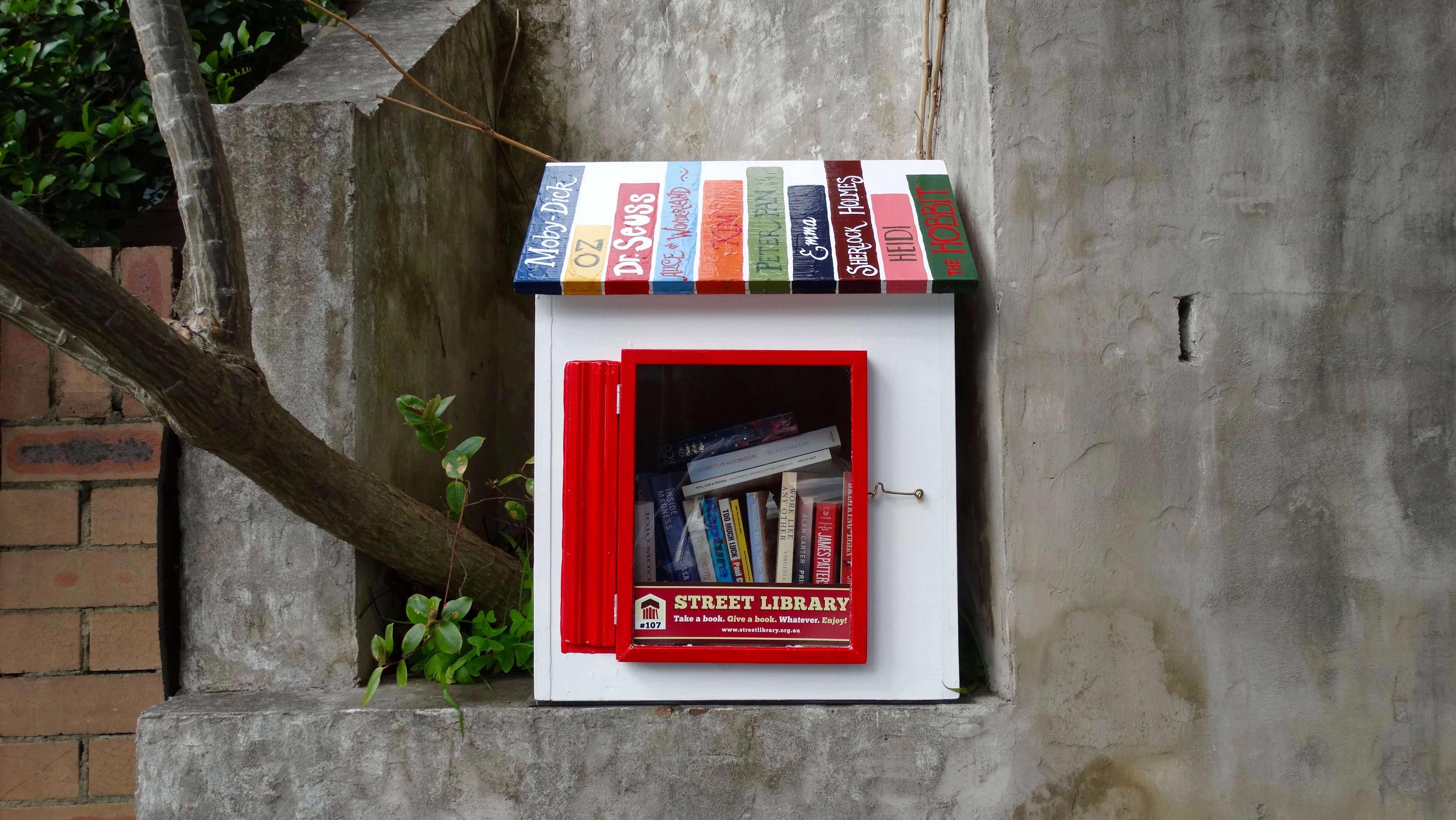 Tiny Home Designs: Take, Give, Share Books: Australia's Street Library