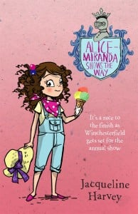 Alice-Miranda Shows the Way (Alice-Miranda #6)