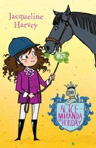 Alice-Miranda on Holiday (Alice-Miranda #2)