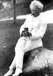 New York, 1907. Courtesy of the Mark Twain Papers, Bancroft Library, University of California, Berkeley.